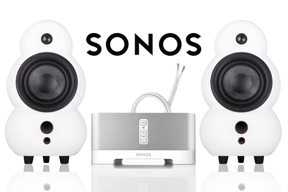 Lækkert Wi-Fi streaming stereoanlæg bestående af 2 stk. MiniPod højttalere og en SONOS Connect Amp forstærker, samt Supra højttalerkabel.