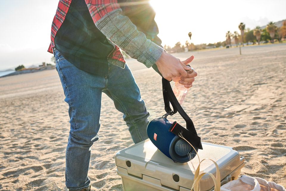 JBL Xtreme 2 bluetooth højttaler, lifestyle