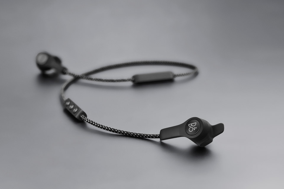 B&O Play E6 in-ear hovedtelefoner, sort