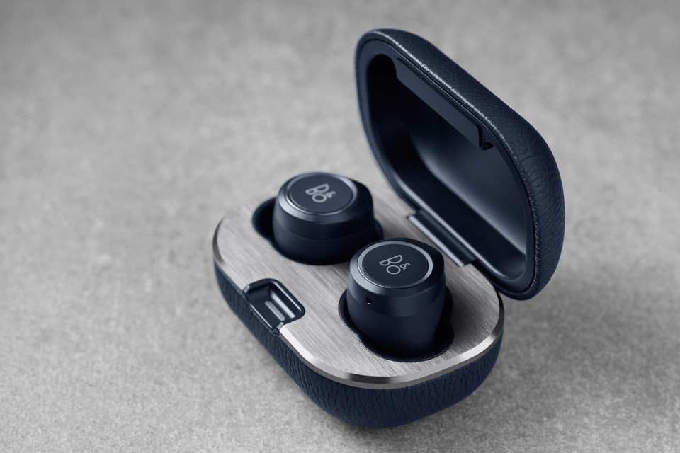Beoplay E8 2.0 in-ear hovedtelefon, lifestyle