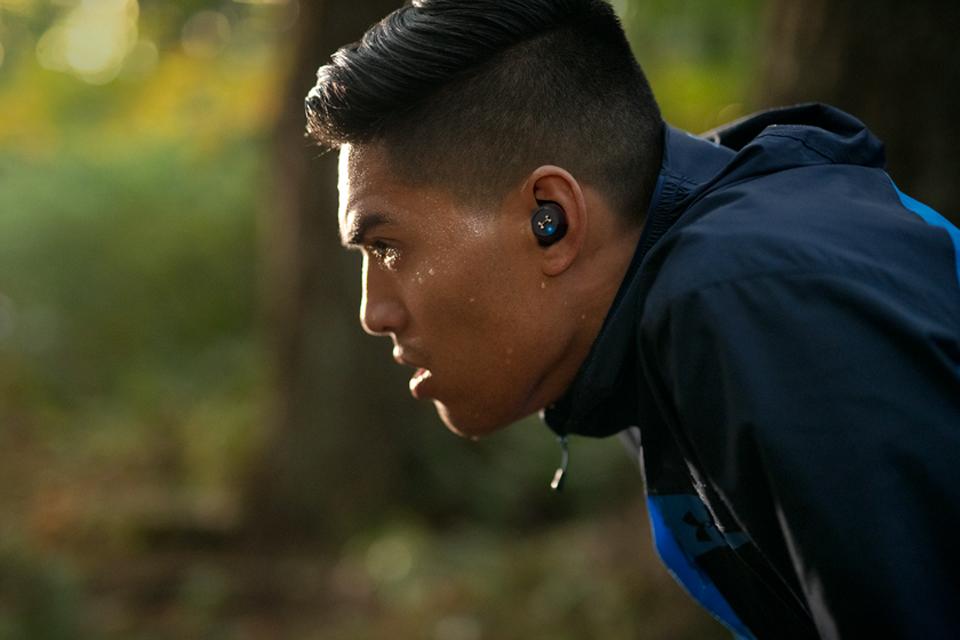 JBL Under Armour Flash in-ear sportsøretelefoner