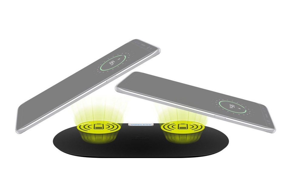 Goobay dual Qi charger - Lifestyle