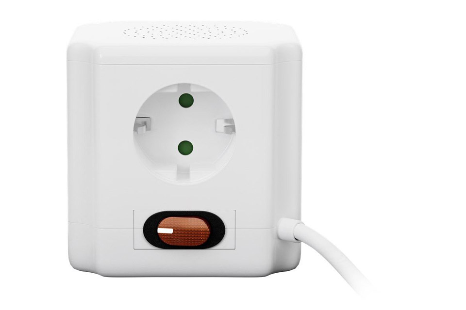 Goobay 4-way socket cube with switch and 2 USB ports - Side