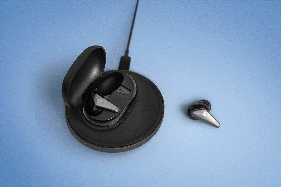 Libratone Track Air+ in-ear headphones, lifestyle