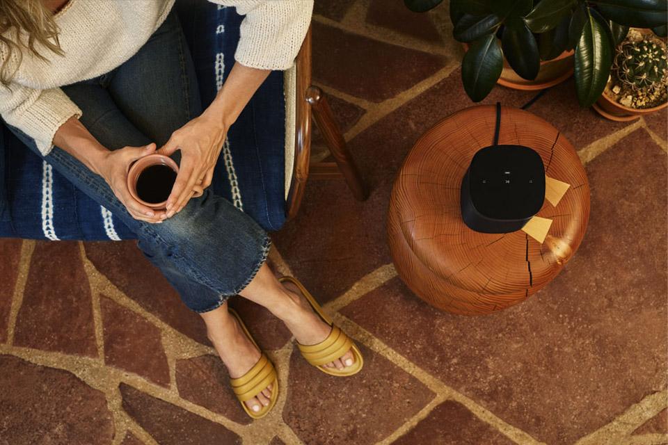 Sonos One SL mikrofon fri højtaler, lifestyle