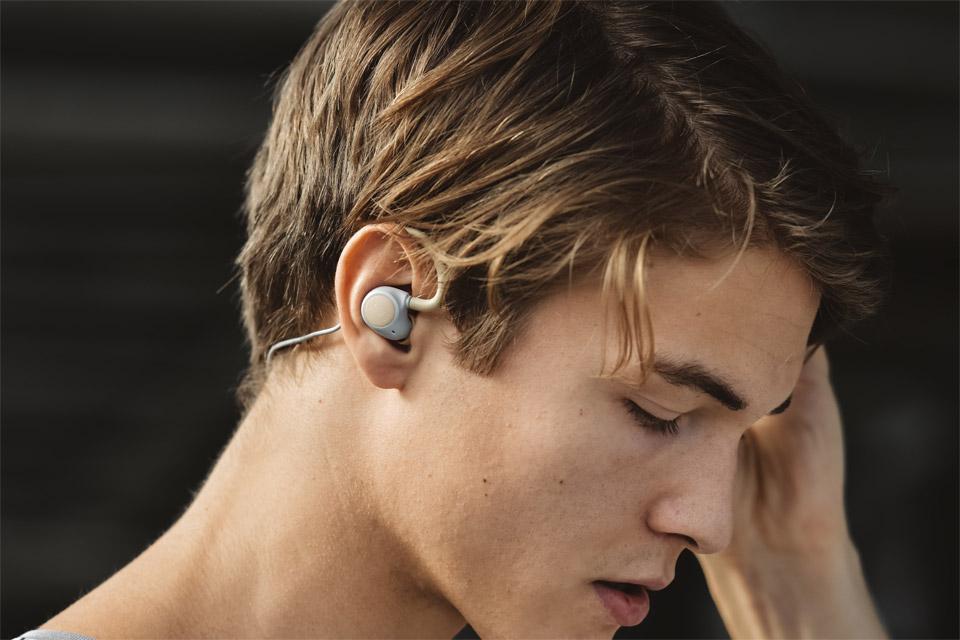 JAYS m-Six Wireless sport headphones, lifestyle