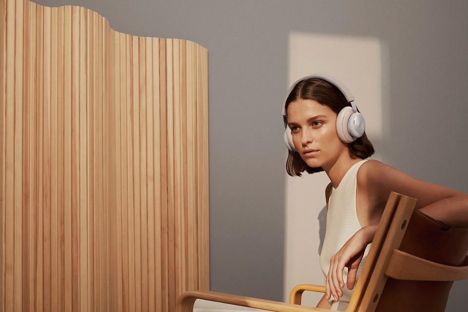B&O Play H4 Gen2 headphone, lifestyle