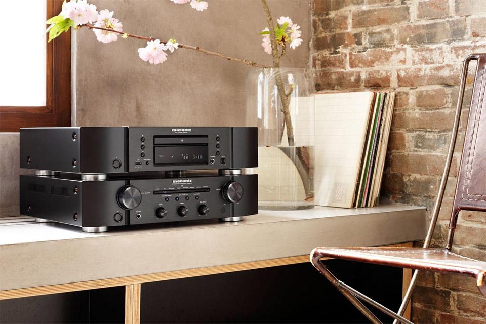 Marantz PM6006 stereo amplifier, lifestyle