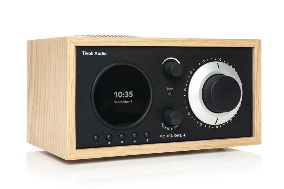 Tivoli Audio Model One+ radio, oak/black