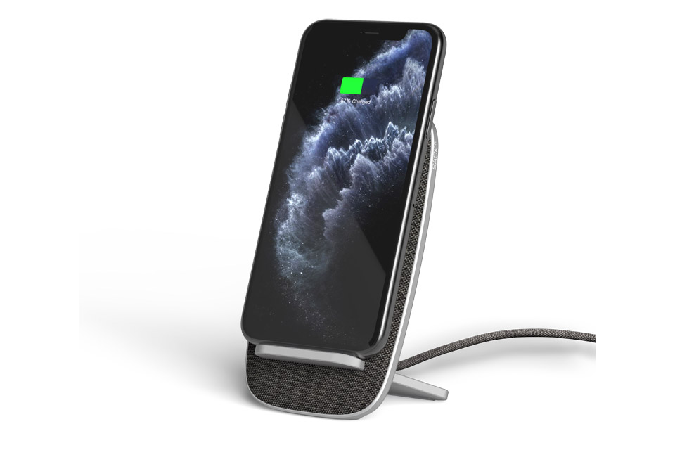 SACKit CHARGTit Stand Dock, lifestyle