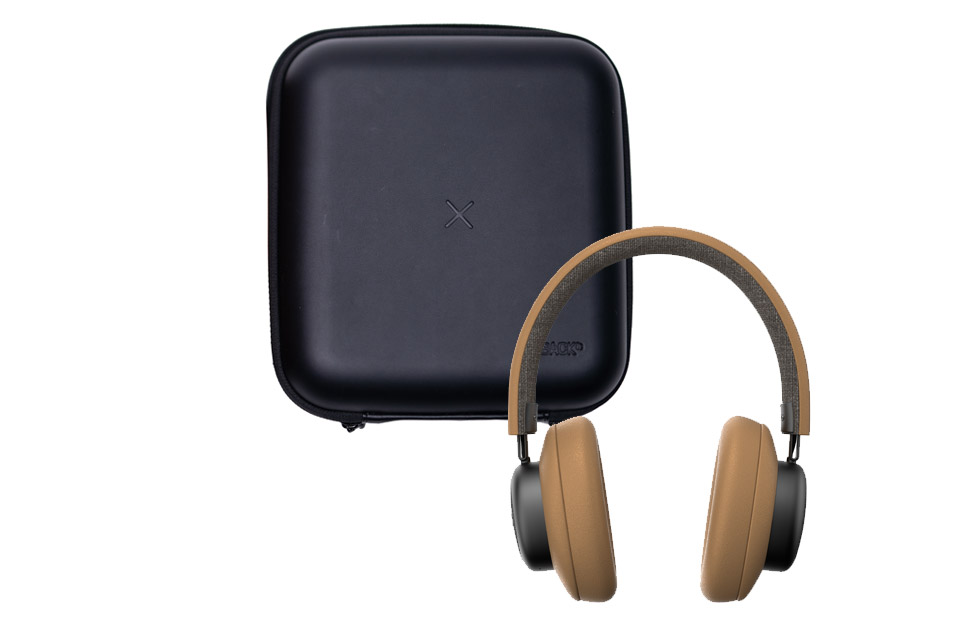 SACKit TOUCHit over-ear headphones, golden incl. black cover