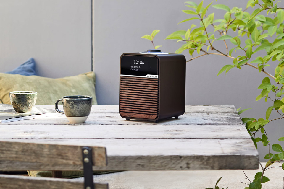 Ruark Audio R1 MK4 FM/DAB+ table top radio with Bluetooth - Espresso