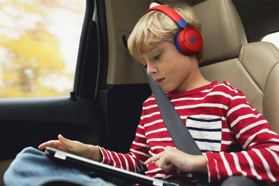 JBL JR310 headphones, lifestyle