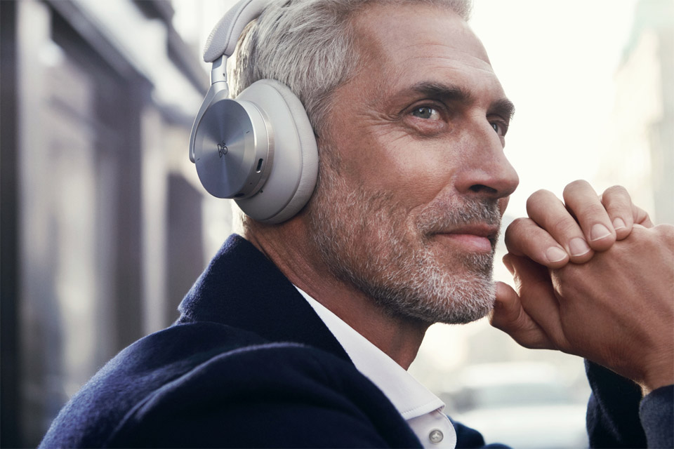 B&O Beoplay H95 headphones, lifestyle