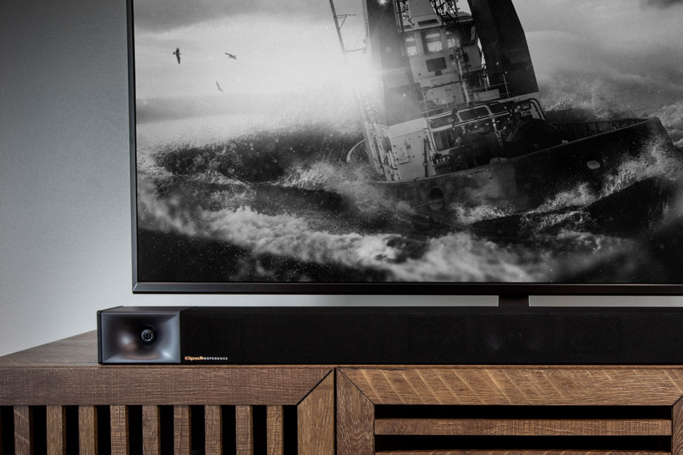 Klipsch cinema 600 soundbar with wireless subwoofer - Lifestyle