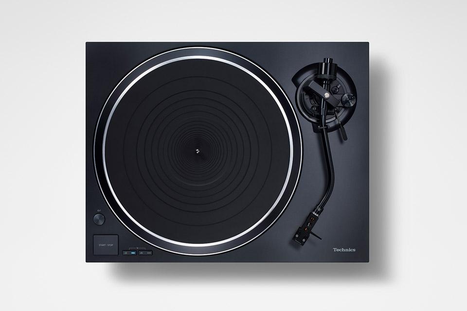 Technics SL-1500C turntable, black