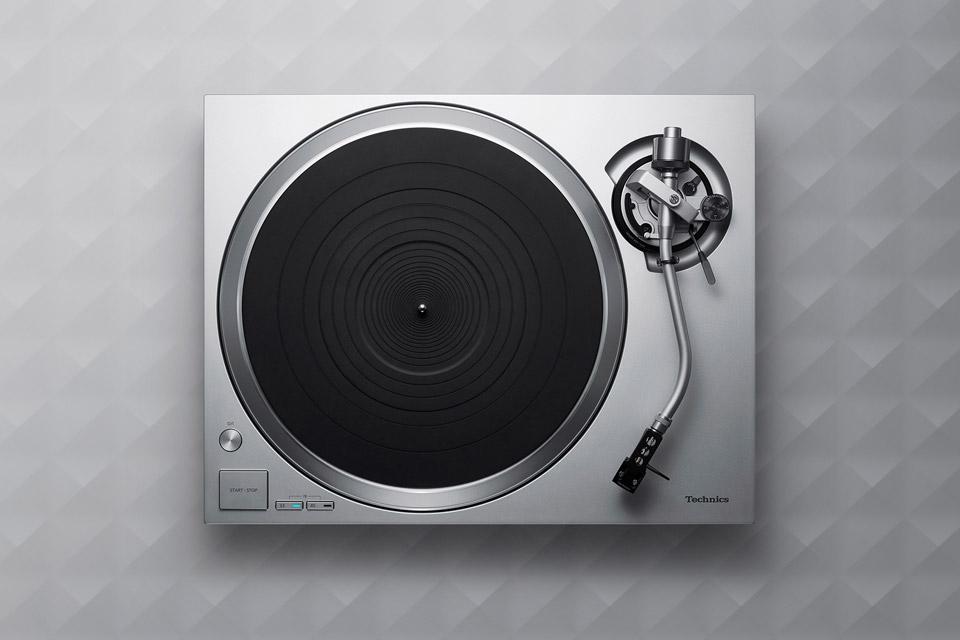 Technics SL-1500C turntable, silver