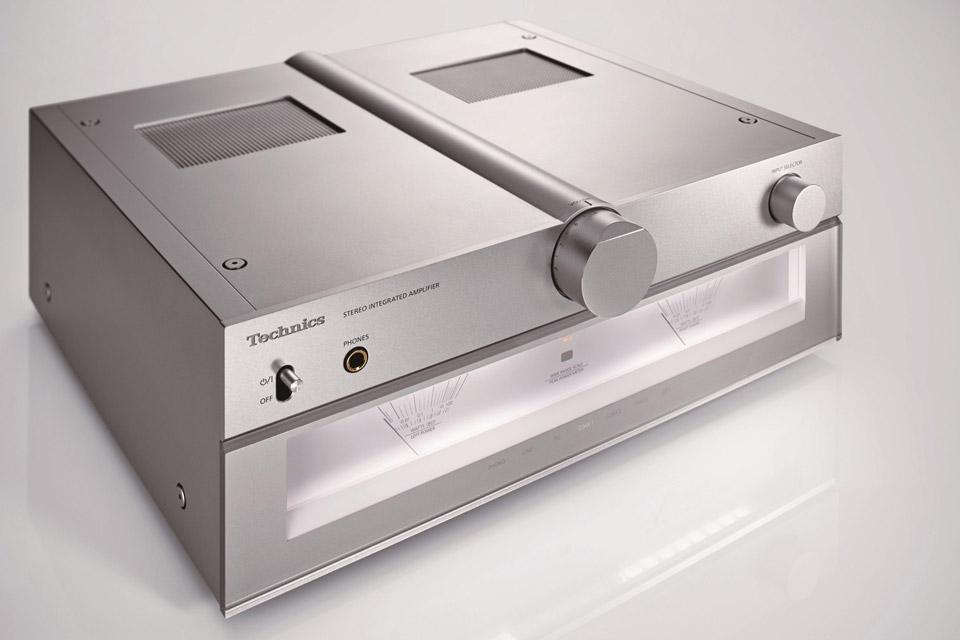 Technics SU-C700 integrated amplifier
