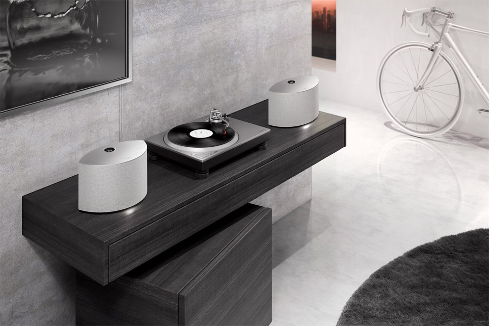 Technics SC-C30 streaming speaker, lifestyle