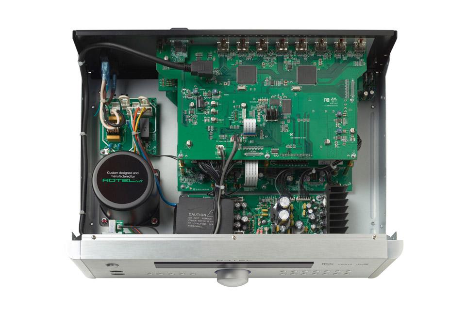 Rotel RSP-1576 MKII surround processor, inside