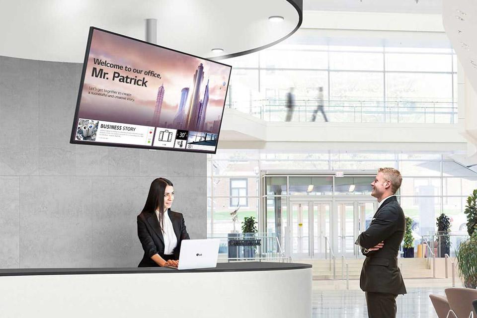 LG UH5F 4K signage display
