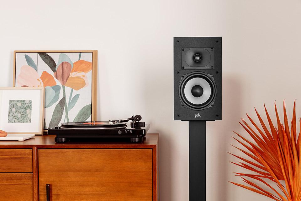 Polk Audio Monitor XT20 bookshelf speaker