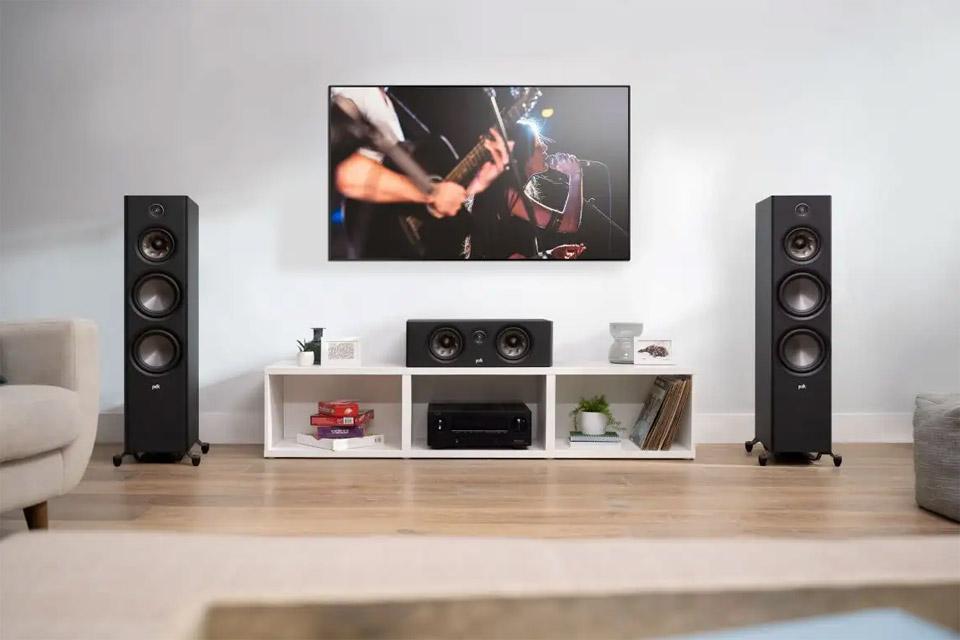 Polk Audio Reserve R400 center speaker - Lifestyle