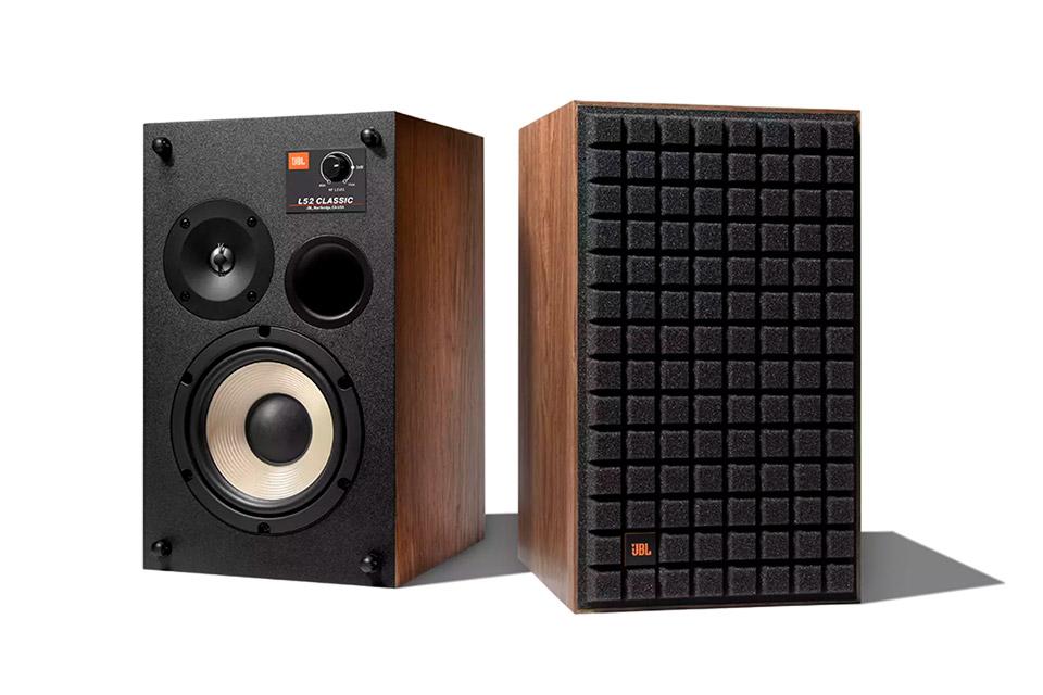 JBL Synthesis L52 speakers, black