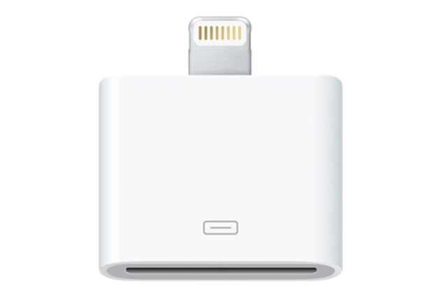 Med denne Lightning til 30-pin adapter kan du bruge din iPhone med Lightning stik i en dock med det gamle 30-pin stik - Originalt Apple produkt!
