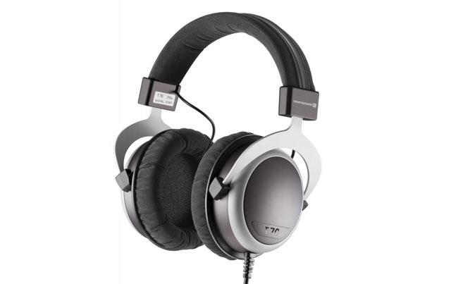 Beyerdynamic T70p er en testvindendende transportabel hovedtelefon til den kræsne musik-elsker. Suveræn kvalitet til en yderst fornuftig pris!
