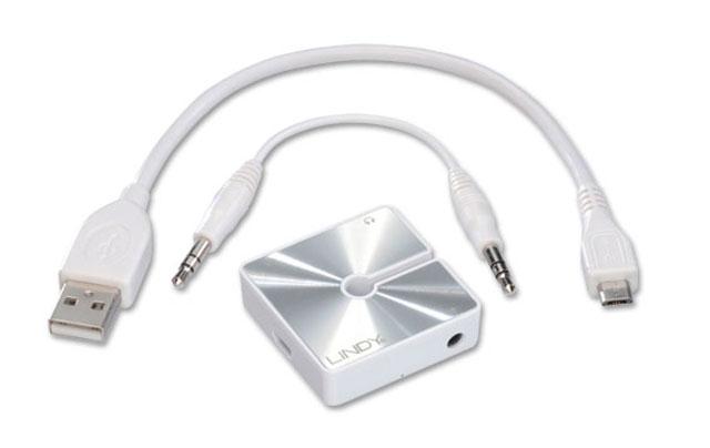 Lille hovedtelefons forstærker der forbedre lyden og gør det muligt at koble op til to headsets til samme afspiller.