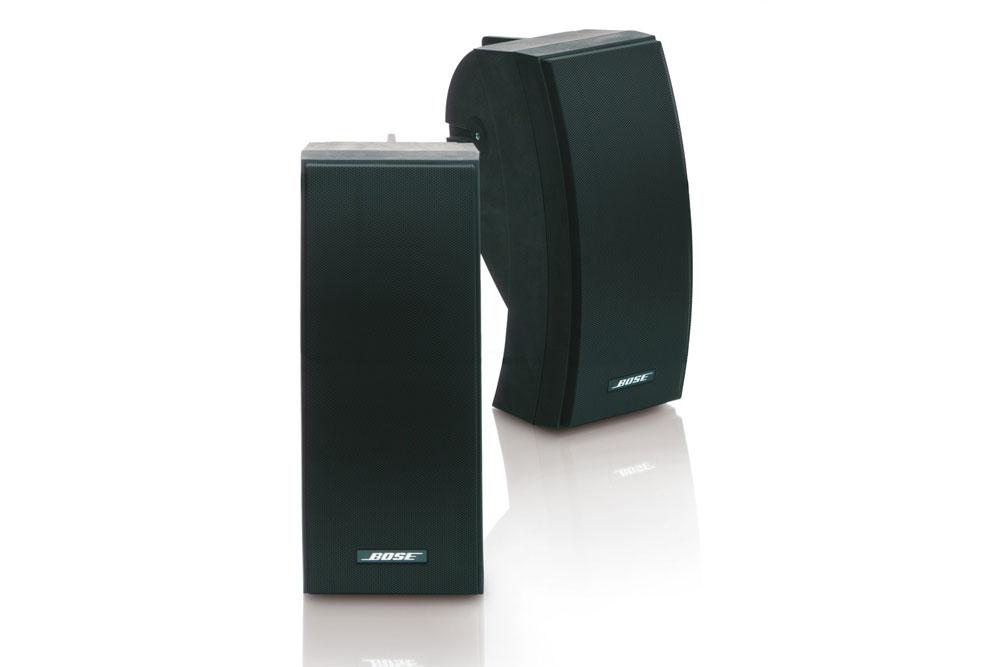 Bose 251 er en kraftig og velspillende udendørs højttaler.