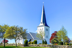 Kirker og sognegårde